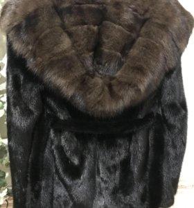 Шикарная норковая шуба с соболем. 44-48