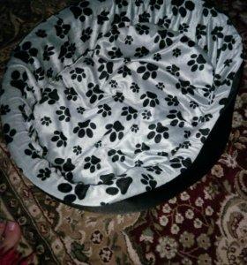 Лежанка для котов и собак