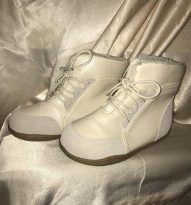Новая детская обувь ботинки кожаные