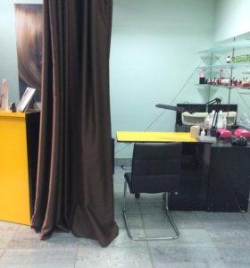 Место парикмахера и маникюра