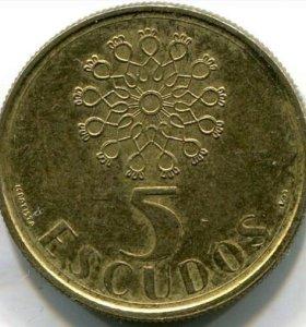 Монета Португалии. 5 эскудо 1990