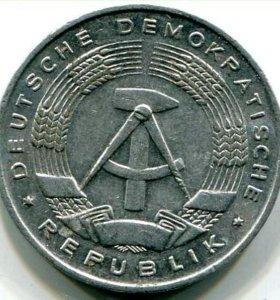 Монета ГДР.