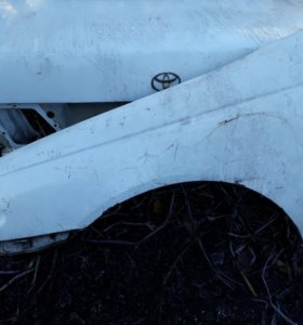 Toyota korona передние крылья