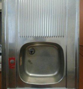 Раковина кухонная с сушилкой