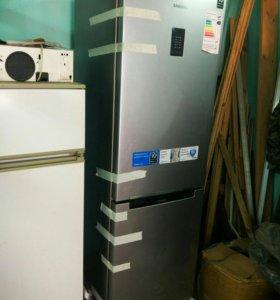 Холодильник Samsumg