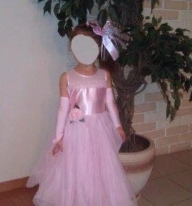 """Платье фирмы """"Маленькая леди"""""""