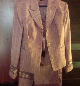Новый женский костюм. 48-50р. Юбка+ пиджак