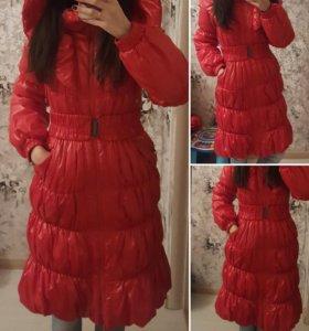 Пальто длинное красное