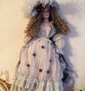 Кукла фарфоровая Голландия
