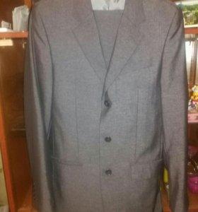Мужской костюм двойка фирмы Kaizer.