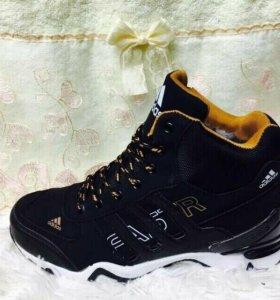 Ботинки адидас новые