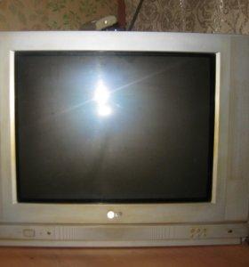 продам б\у телевизор LG