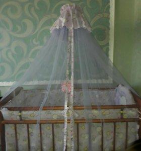 Детская кроватка с бортиками ,балдахином матрас