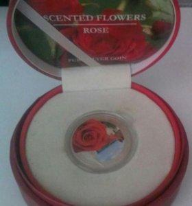 Коллекционная серебряная монета с ароматом Розы.