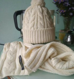 Шапочка осенне-зимняя и шарф