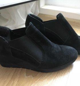 Туфли из натуральной замши 40 р