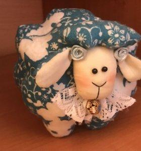 Игрушка декоративная овечка хэндмейд