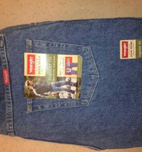 Продаются мужские джинсы