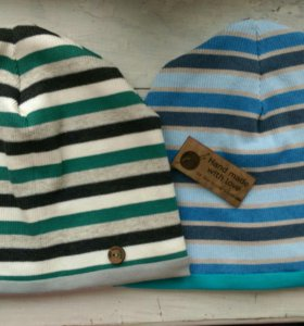 Теплые шапочки новые