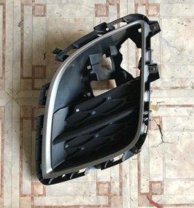 Решетка левая противотуманной фары Mazda CX 7