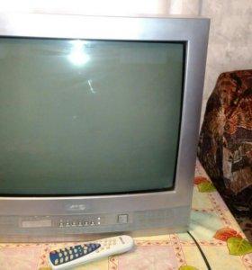 Телевизоры 3 штуки