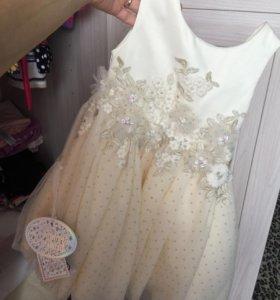 Платье на девочку (праздничное) 92 размер