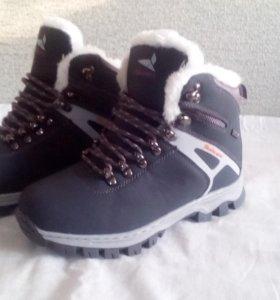 Кроссовки новые, зима