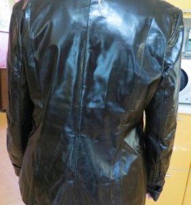 Куртка лаковая кожа