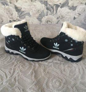 Зимние ботинки . Новые