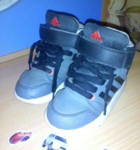 Р.25, кроссовки adidas