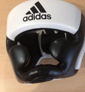 Боксерский шлем Adidas черно-белый adiBHG023