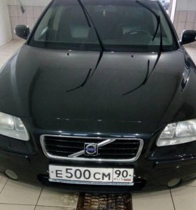 Автомобиль Вольво s60