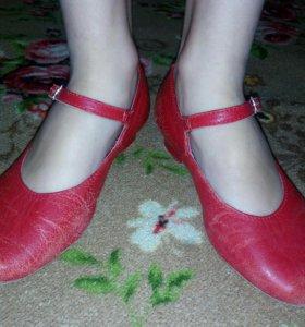 Танцевальные туфли 32-33размер