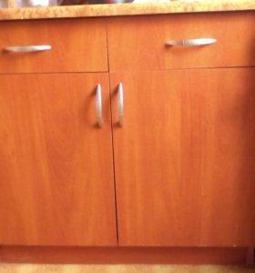 Кухонный стол и тумба под мойку