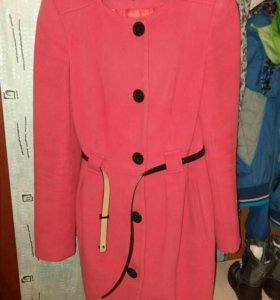 пальто коралловое