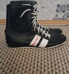 Обувь спортивная новые