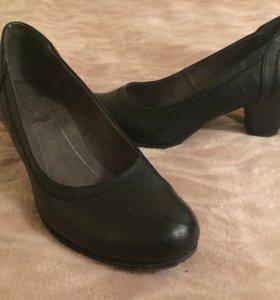 Туфли-лодочки чёрные 39 размер