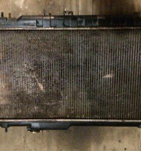 Радиатор охлаждения Субару