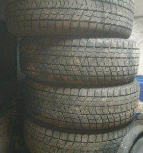 Шины Bridgestone Blizzak DM-V1 225/70 R16