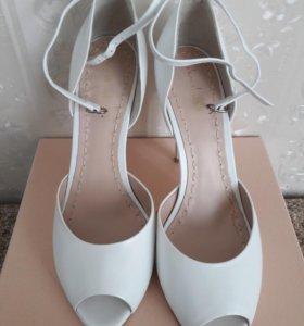 Новые туфли Elena Chezelle
