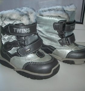 новые зимние ботиночки р.21 (13,7см)