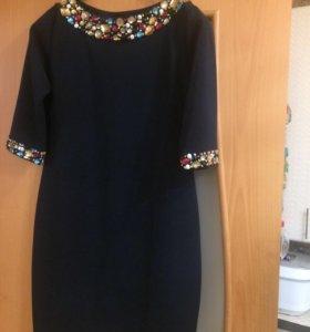 Платье с камушками