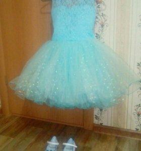 Платье для девочки и туфли 25р