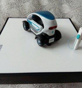 Коллекционная машинка Renault twizy