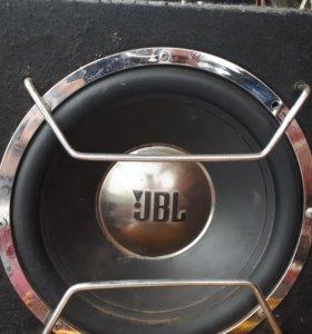 Сабвуфер JBL и усилитель