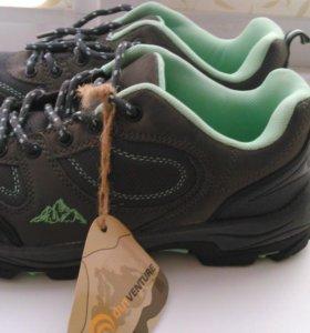 новые кроссовки OUTVENTURE, размер 39