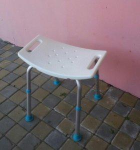 Табурет для ванной