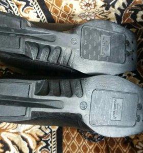 Ботинки лыжные. Новые. 37 размер