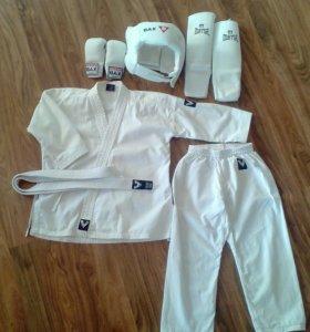 Детский комплект для занятия каратэ