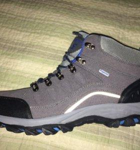 Новые кроссовки, 43 размер